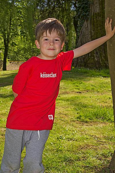"""KIDS' T-SHIRT """"kéisecker"""": Shirt colour """"Red"""", Print """"White"""""""
