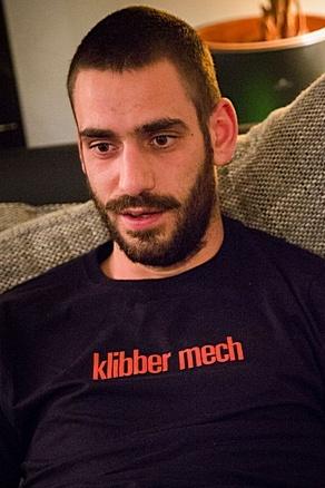 """MEN'S T-SHIRT """"klibber mech"""": Shirt colour """"Navy blue"""", Print """"Red"""""""