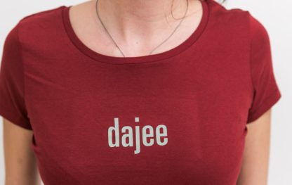 "WOMEN'S T-Shirt 'dajee': Shirt colour ""burgundy"", Print ""light grey"""